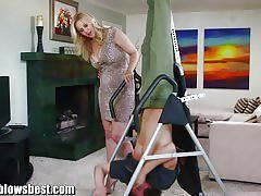 Busty cock sucking momma julia ann