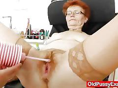 Horny mature gets her hairy cunt examined