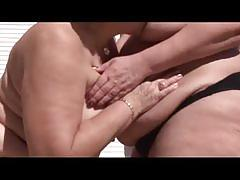 Lesbian heavy hitters 3- the hot mature lesbians eating the pussy !!