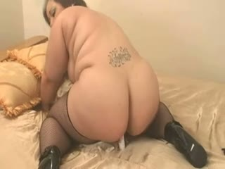 Bbw curly wife sucks a cock