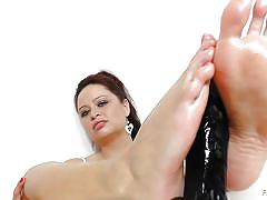 milf, solo, dildo, brunette, oiled feet, feet fetish, feet luv, sirale