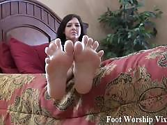 Stroke that big hard cock for my perfect feet
