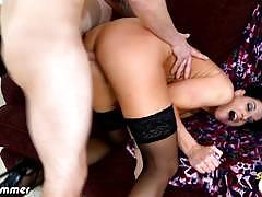 Frisky fuck for brunette milf