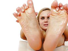 milf, blonde, solo, czech, dildo, oiled, feet fetish, feet luv, bara brass