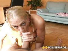 Silly blonde gives an awesome blowjob