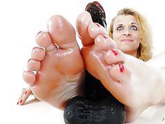 Blue eyes blonde proves her feet skills
