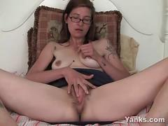 Tattooed amateur sylvie fingering her hairy beaver