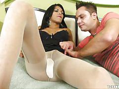 Hot tranny gets cock sucked under pantyhose