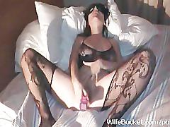 Masked wife vs a big dildo