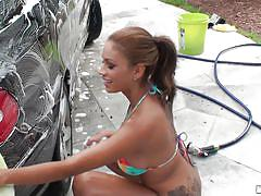 Car wash gets freaky in the heat
