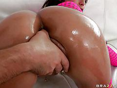 Bubble butt latina gets an exam!