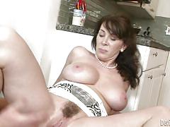 Fucked in the kitchen until she squirted