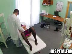 Brunette patient gets her p cock produces vocal orgasms from horny patient 720 2