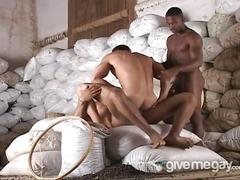Anal loading latinos fucking in threesome
