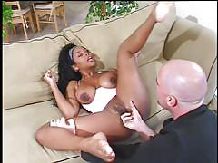 Big black booty milf fucked by a white dude