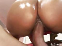 Donna red invites her fuck-buddy to pound her hard