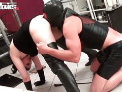Funmovies slave gets punishment and pleasure from mistress