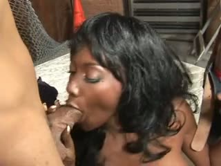 Ravishing raven is a sexy cougar who loves to fuck