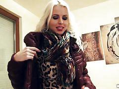 Blonde milf is looking sexy in her leopard dress