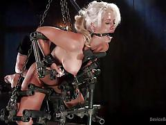 Helpless holly heart trying the bondage device