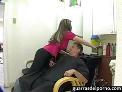 Se folla a la peluquera - guarrasdelporno.com