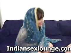 Cute indian teen reveals her luscious goodies