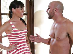 Dana talks her way into a blowjob