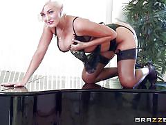 Big assed blonde spreads her cheeks
