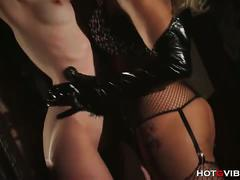 Horny milf using hotgvibe in bondage sex for fun
