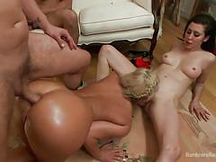 Hardcore orgy with lots of pussy eating