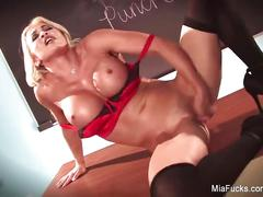 Mia lelani rubs her wet pussy