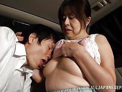 Mature japanese woman gives a great handjob