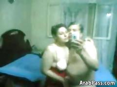 Married arabs make their own porno film