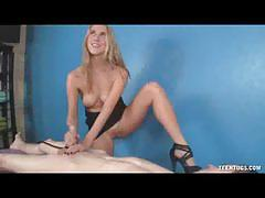 Sexy blonde cadence lux gives a great handjob