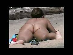 I am a beachvoyeur 73 bvr  -  asses and pussies-