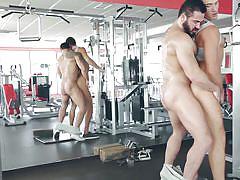 Jessy fucks his gym buddy