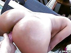 Big tit brunette loves creampie