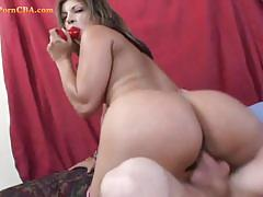 Chick with bubble butt enjoys fucking in cowgirl