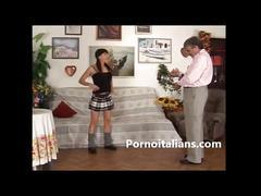 Family (simulated)i italiani - figlia sexy provoca papa porco family (simulated)o sesso in famiglia