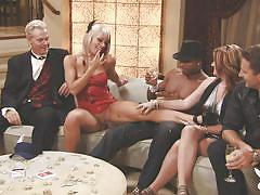 Blondes get a little freaky @ season 1 ep. 3