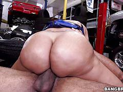 Big dick for milf with the juiciest ass
