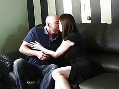 Slutty milf gets seduced and offers blowjob