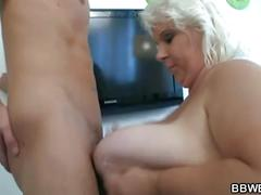 Dude fucks sexy huge blonde slut