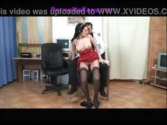 The doctor fucks the girl comes wetil dottore dotato scopa la ragazza bagnata -