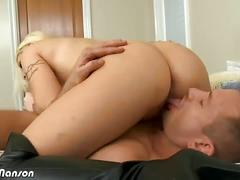 Giant titty blonde candy manson gives mouth job