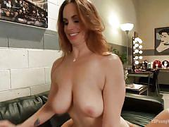 Cute tranny fucks a hot babe