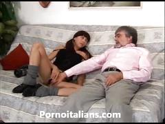 Porno family (simulated)o italiano - vecchio porco scopa ragazza vogliosa! italian