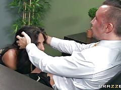 Jaclyn taylor gets fucked for a promotion