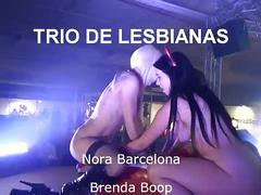 Trio de lesbianas