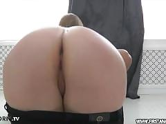 Edic inserted in his penis to her anal